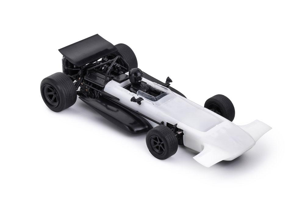 CAR04z_MARCH-701-white-kit-low